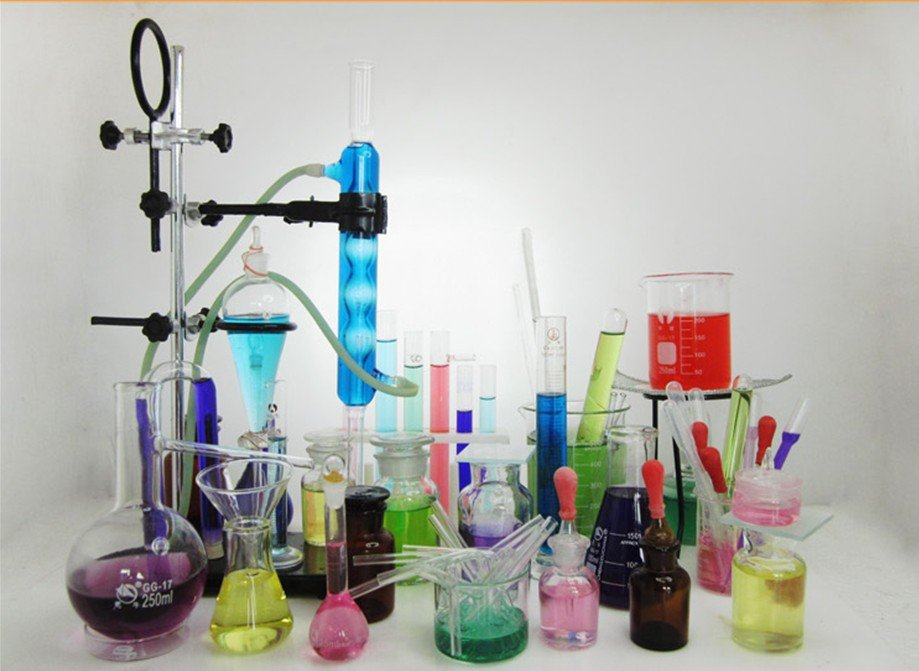 chem experiments We can all agree that science is awesome and you can bring that awesomeness into your very own home with these 20 safe diy experiments you can do right no.